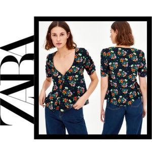 NWT Zara Floral V-Neck Top w/ Ruched Sleeves